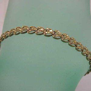 Vintage Ladies 14kt Gold   Heart shaped Bracelet